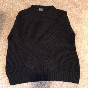 Medium oversized black sweater